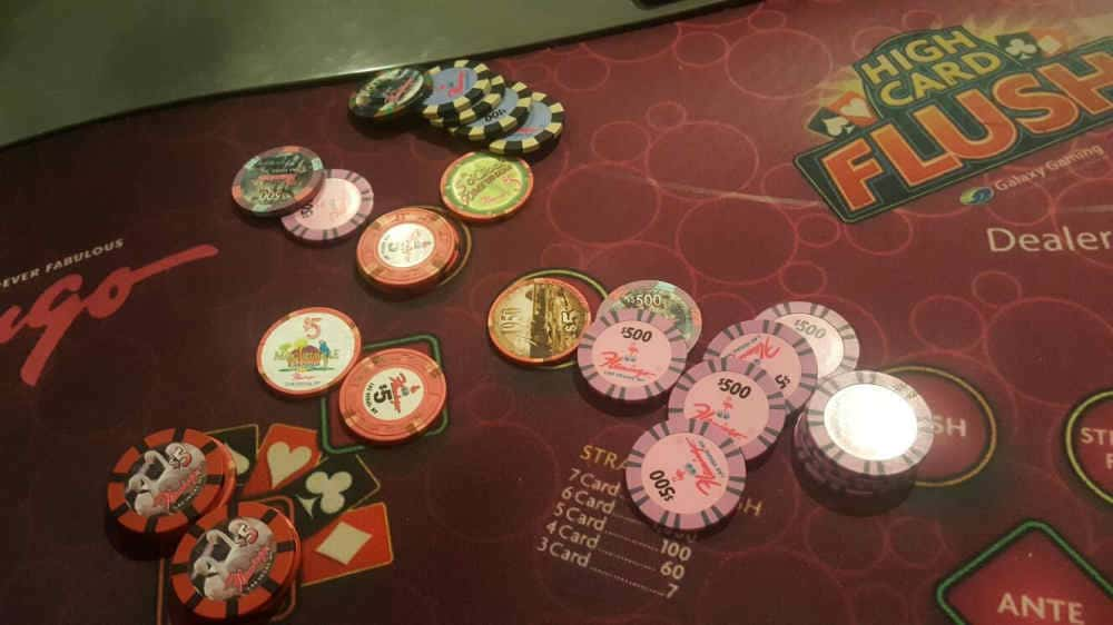 High Card Flush Poker in Het Flaming Casino