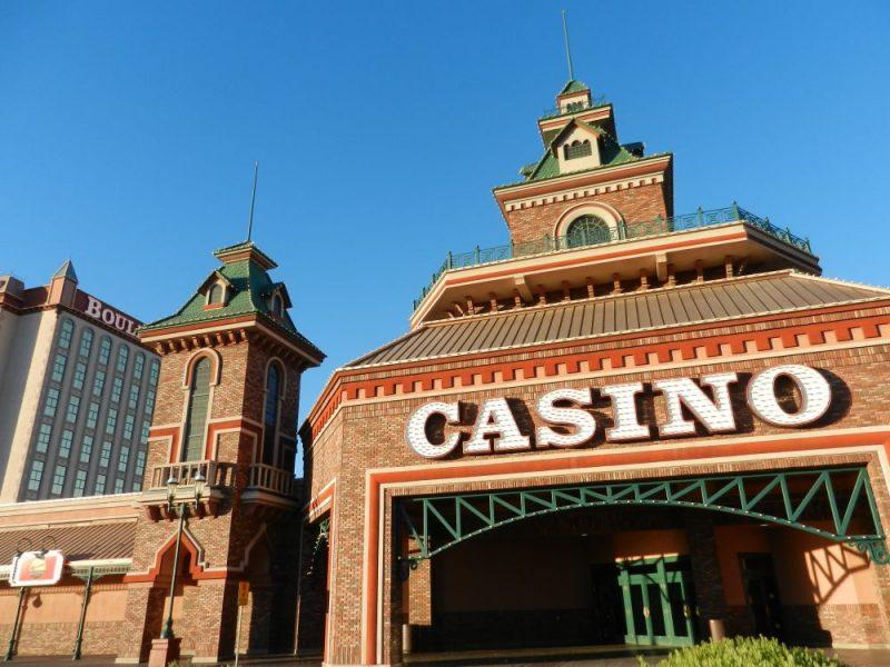 Boulder Highway, Casino´s bezoeken en gokken
