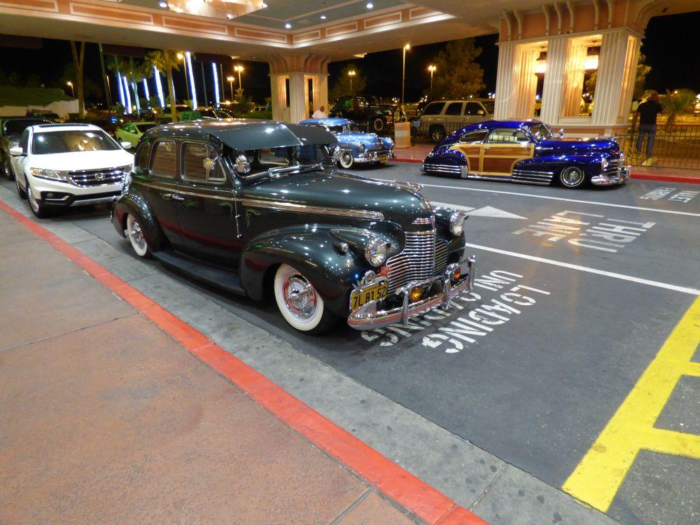 Prachtige oldtimers bij het Tropicana Hotel