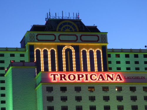 Tropicana Casino in Laughlin en Laughlin by Night