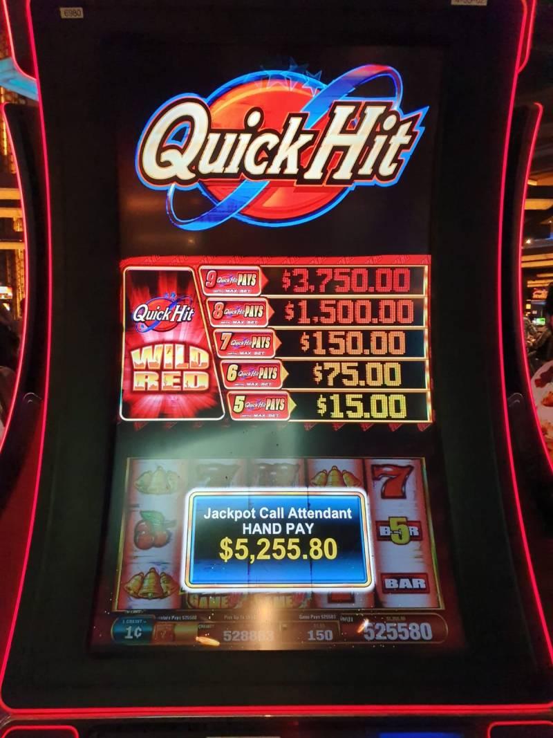 Prachtig Hand Pay dankzij Quick Hit Wild Red gokkast